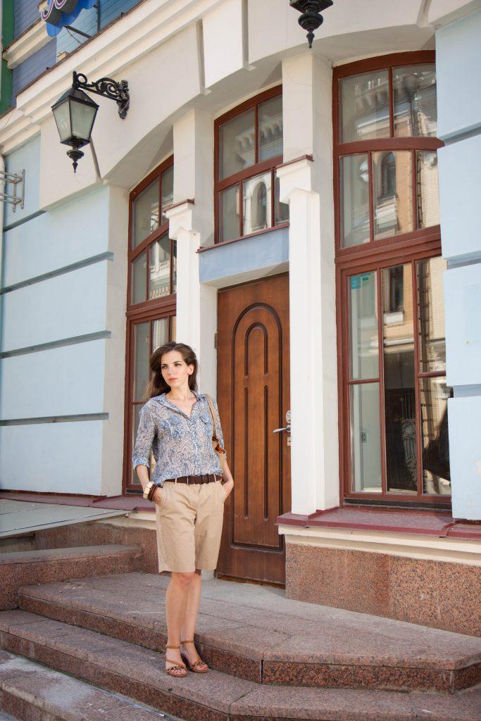 Шорты свободного кроя и шелковая рубашка в Daily Look 16.08.2014_4