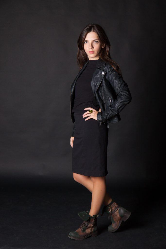 Черная юбка-карандаш в Daily Look 1
